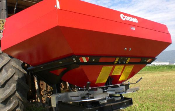 Итальянский разбрасыватель минеральных удобрений COSMO RX (Италия)