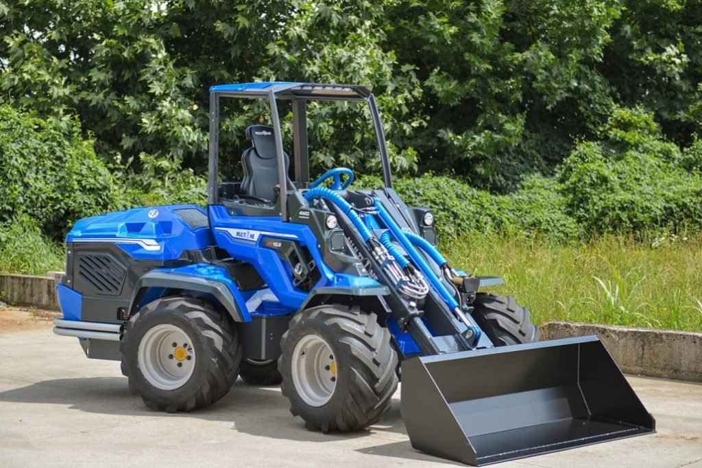 MultiOne-mini-loader-10-series-with-bucket-without-operator-1030x688