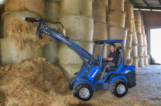 MultiOne-mini-loader-8-series-with-manure-fork1-1030×688
